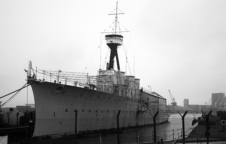 HMSCarolineFt